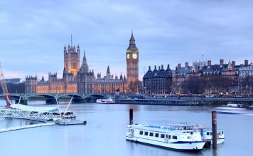 boats-and-thames